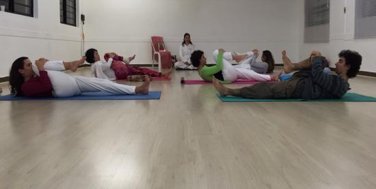 Prática de Shri Vivek Yoga