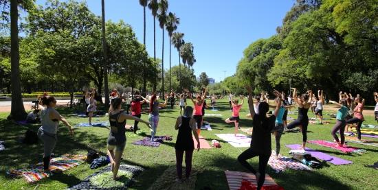 Yoga para todxs com o Coletivo Namaskar