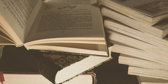 Feira de Troca   Doações de livros, roupas e óleo de cozinha