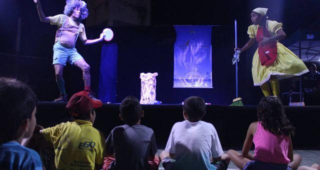 Espetáculo A Peleja de João Sujeira e Maria Limpa Tudo
