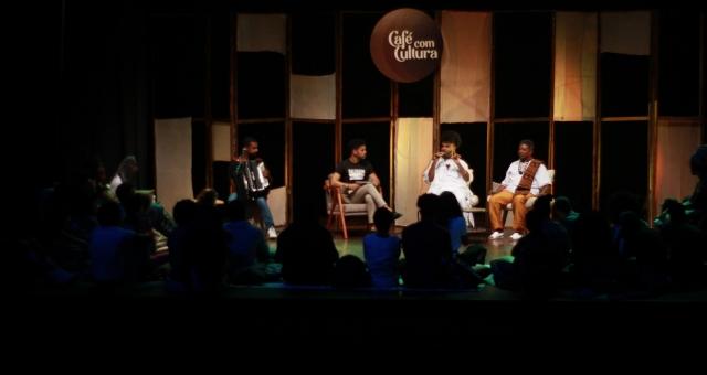 Café com Cultura Expresso | Lançamento do Livro de Monique Evelle